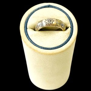 Brighton ring.  Silver 295. Scrolling around ring